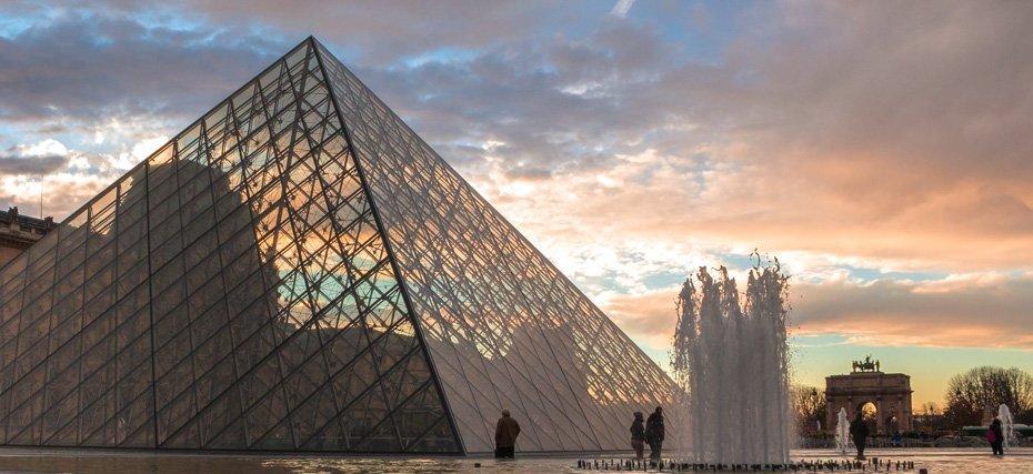 Piramide del Luovre Stylentravel week end a Parigi
