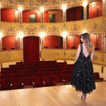 Teatro con il completo di Noell Maggini