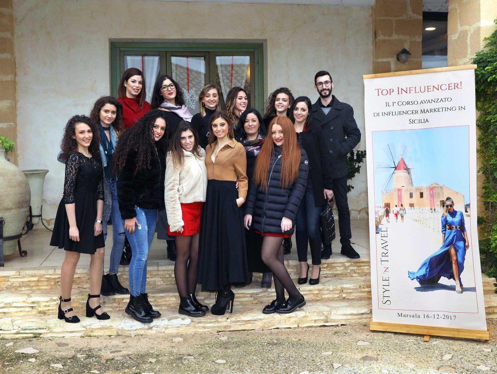 Foto con partecipanti corso Top Influencer